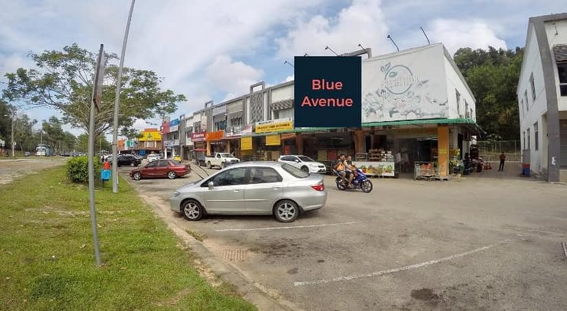 Blue Avenue Backpackers