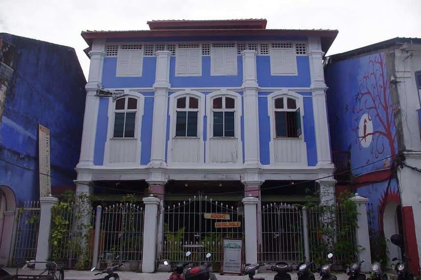 100 Cinta Street